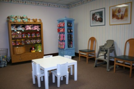Epcot-Baby-Care-Center-Lounge-2-600-x-400